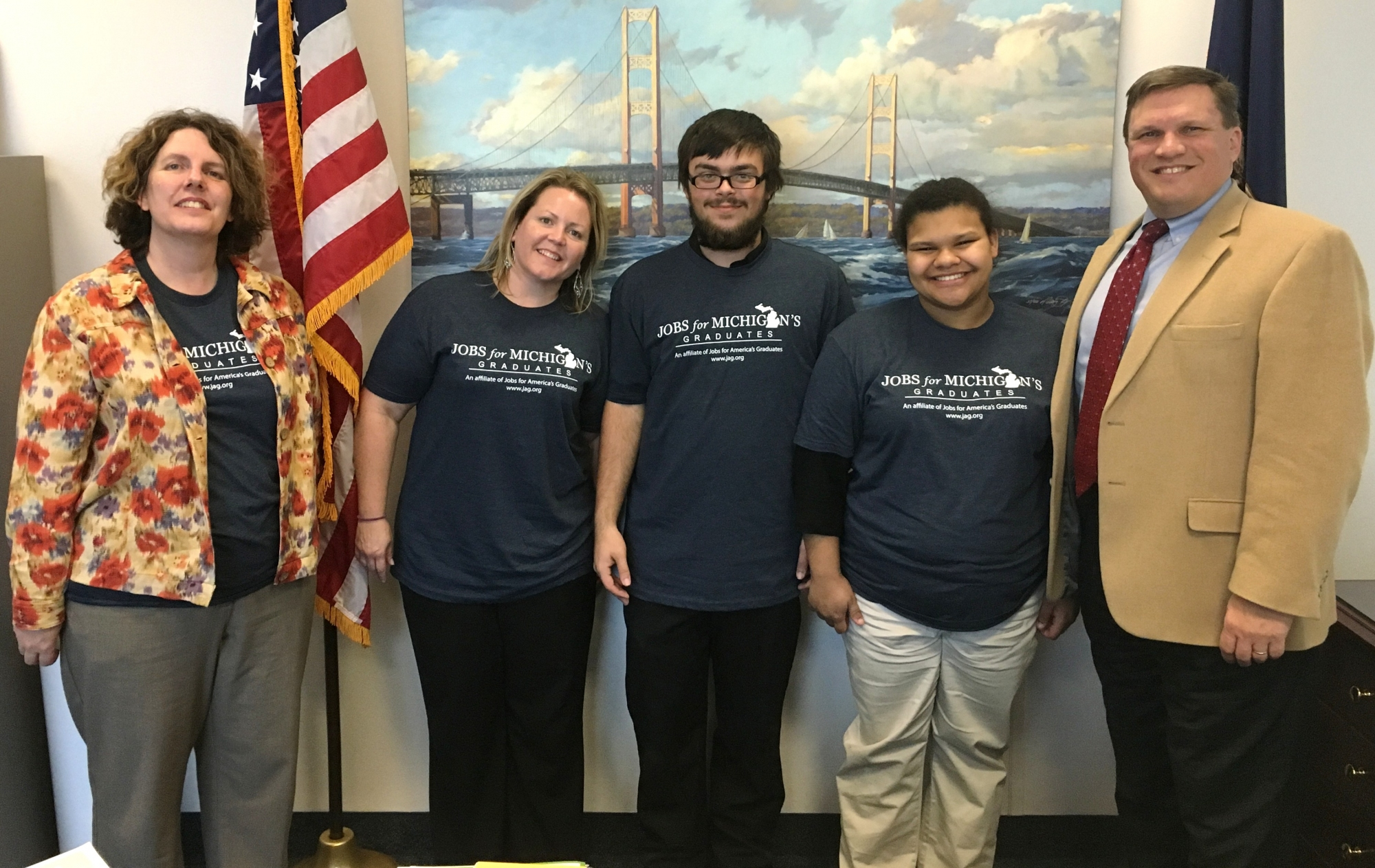 (l-r) Youth Program Administrative Assistant Michelle Goetz Grahl, Youth Advisor Dana Venhuizen, Student Dominic Rose, Student Alexis Gomez, Senator Wayne Schmidt
